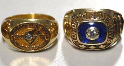 被盗蓝鸟棒球队胜出世界系列赛纪念指环网上出售