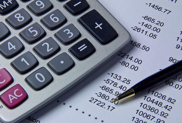 budget-calcuations-calculator-plan.jpg