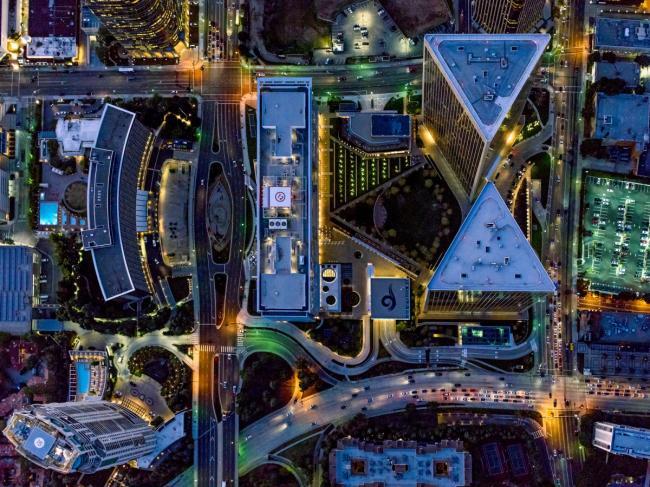 俯瞰都市壮阔绝境 洛杉矶与纽约的城市几何
