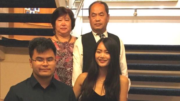 到机场才知航班取消 多伦多华裔一家被困旅游地