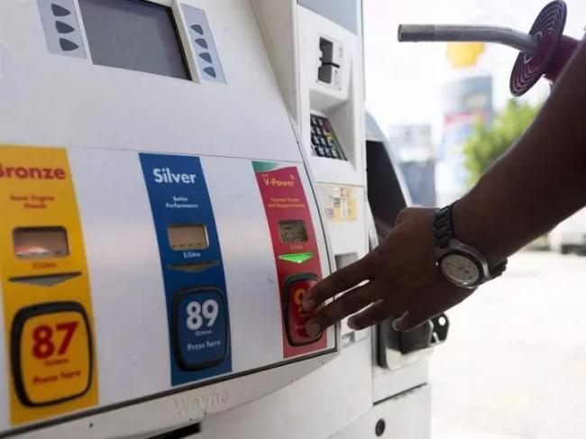 身为石油大国 为何加拿大的油价比美国贵那么多?