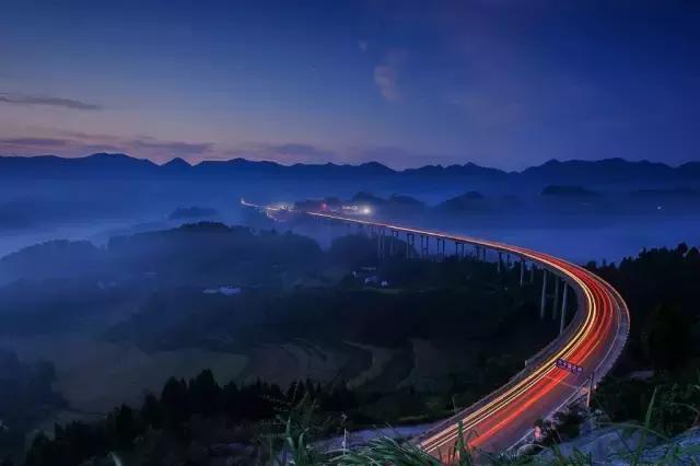 """重庆又现""""仙桥"""",云雾缭绕,叫板牛背山!"""
