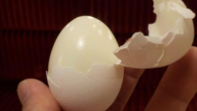 hard-boiled-eggs-1129698_960_720-696x392.jpg