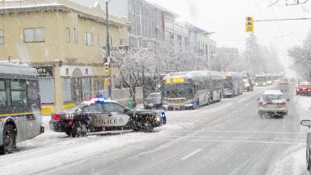 大温雪雨突袭停电停课 冷锋周末将至 最低-7度