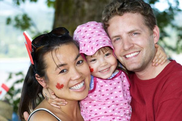 family-in-canada_lolkik.jpg