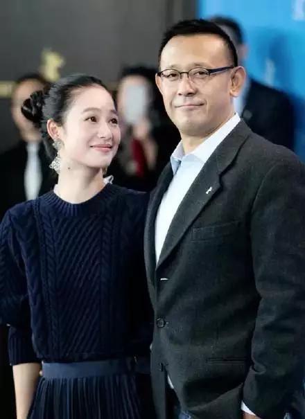 姜文两儿子长相朴实 基因太强可惜了漂亮妻子