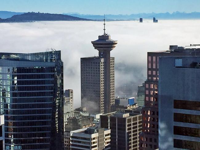 雾霭弥漫优发国际,如是幻影梦境...
