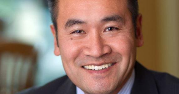 环球邮报:李耀华 - BC自由党党领竞选的大热门