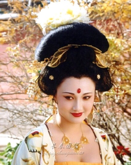 她曾是最美的杨贵妃 如今53岁还这么优雅