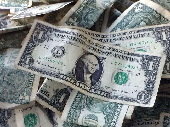 美元回跌 美国政府真有可能关门