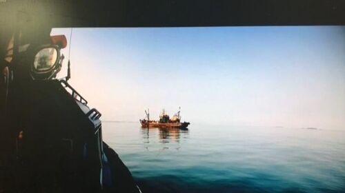 """又一中国渔船涉""""非法""""作业遭韩国扣押"""