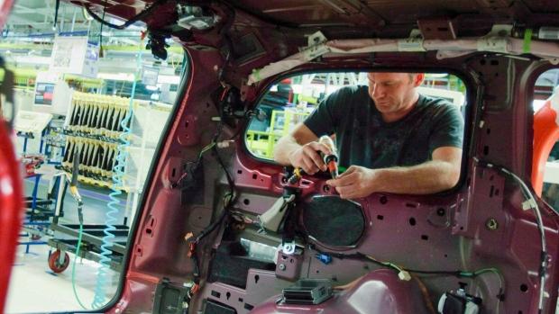 canada-auto-worker-chrysler.jpg