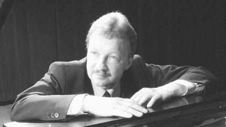 高贵林男教琴师被控3性侵罪 家中教钢琴超过20年