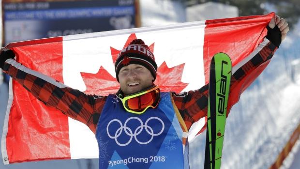 优发国际选手Brady Leman夺得男子滑雪金牌