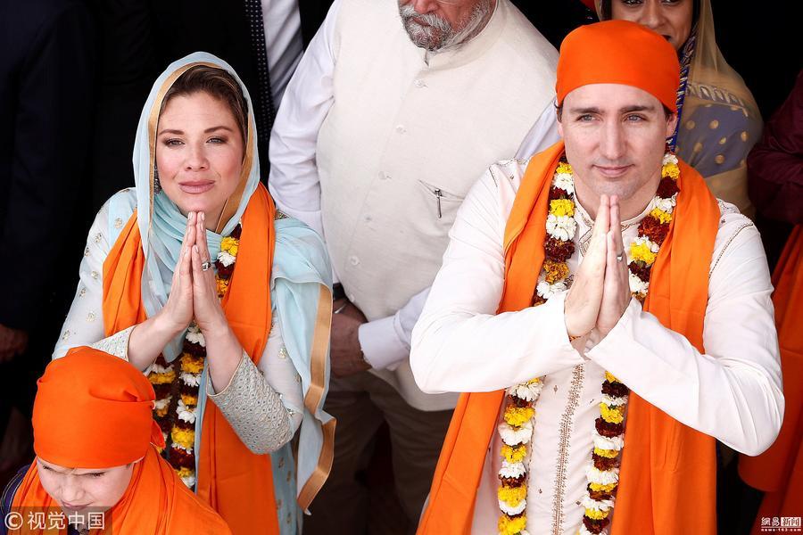 特鲁多一家参观印度金庙 竟穿成了这样