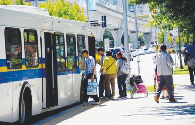列治文市长计划提高车费、物业税和停车费