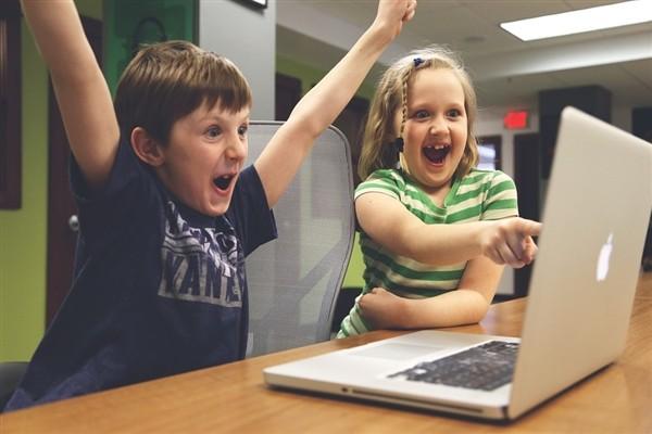 意外!苹果突然宣布发新品:学生版新iPad