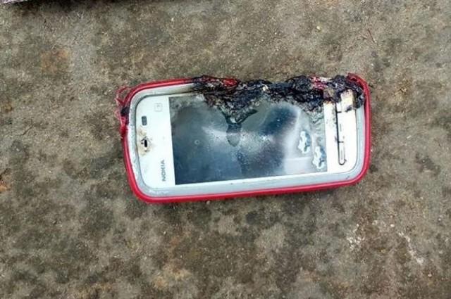 惨!Nokia手机爆炸 18岁花季女生被炸死