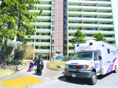 士嘉堡公屋公寓电梯凶杀案 30岁男子遭刺死