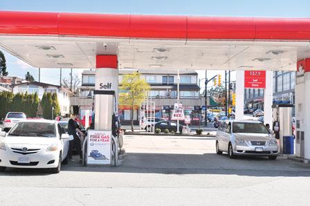 卑诗油价飈近1.6元 议员促公布国民碳税款额