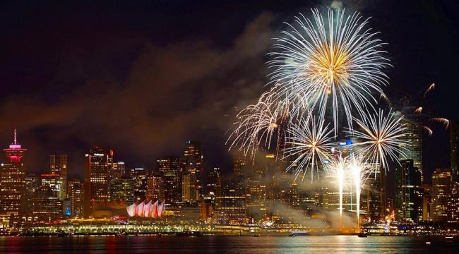vancouver-canada-day-fireworks-2016.jpg
