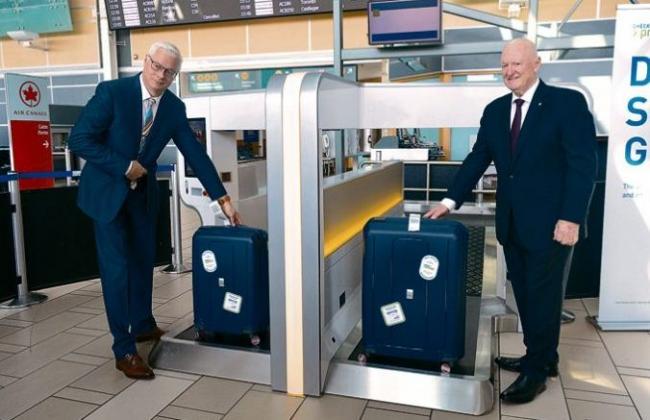 赞!温哥华国际机场引入自助行李托运 仅需10秒