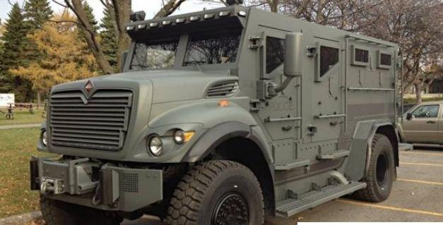 加拿大警方花巨款购入的装甲车 多数时间是摆设