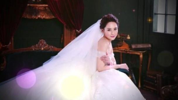 阿娇婚宴酒店曝光 穿抹胸婚纱做最美新娘