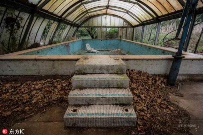 英国豪宅荒废260年 阴森惊悚充满死亡气息