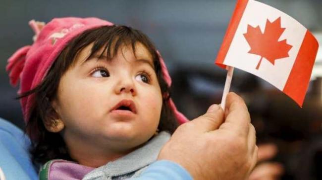 美加越境重灾区 有组织向难民分发越境攻略