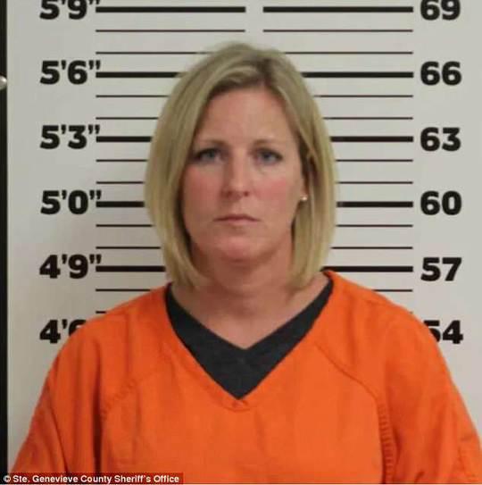 美国女校长诱奸16岁男学生 家长吓坏了