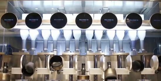 波士顿一餐馆实现机器人炒菜 人类厨师或遭取代