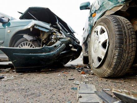 本拿比车祸,电单车司机可能有生命危机