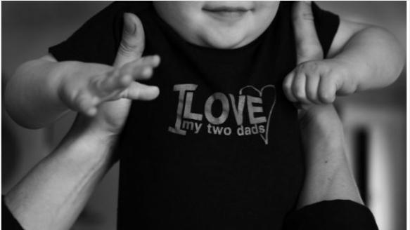 """一个孩子仨父母:加国首例多伴侣关系""""合法"""""""