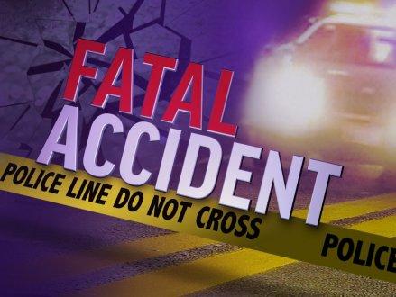 BC内陆发生严重车祸 私家车与货车相撞3人死亡