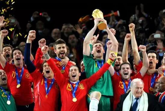 男子看世界杯西班牙进球激动大叫 突发心梗入院