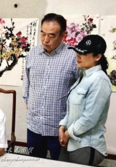 陈凯歌妻子素颜近照 最美貂蝉身材发福