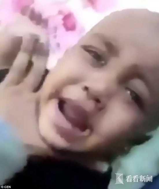 可怕!女子扇6個月大女嬰耳光 要挾丈夫給錢