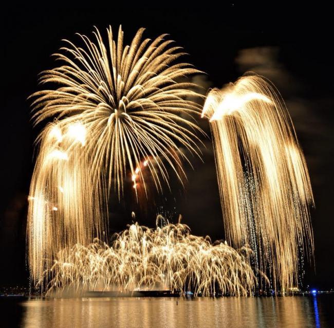 英吉利湾:温哥华国际焰火节 韩国队表演 (组图)