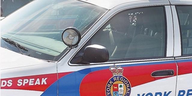 约克区北两车相撞 无辜行人被撞重伤