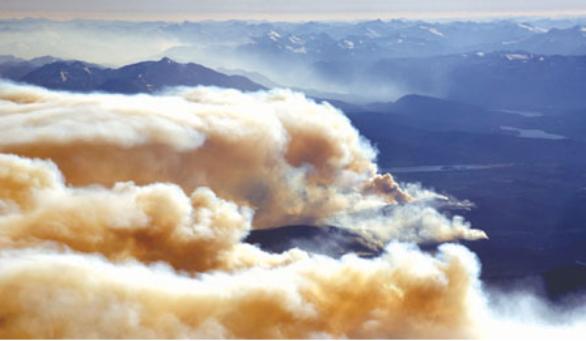 山火恐失控 总理省长急视察 救火已花2.73亿元