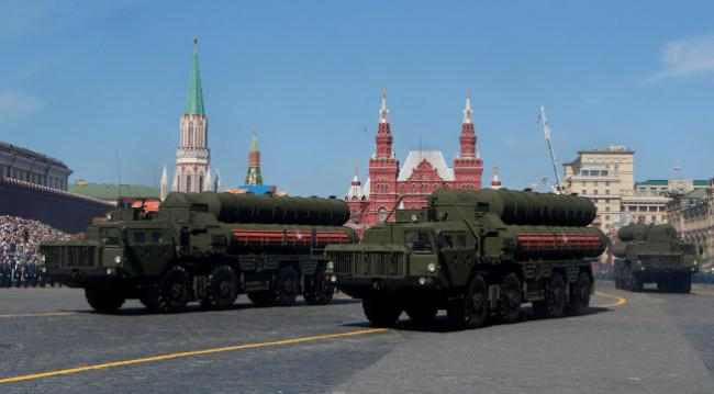 向俄购买军备 美宣布制裁中国军备部长