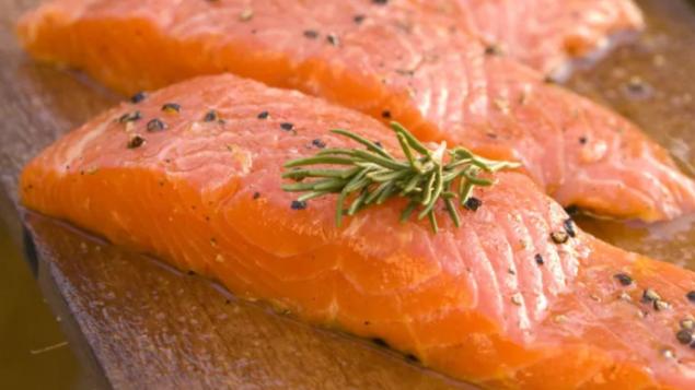 小心啦!改基因三文鱼进入加拿大高档餐厅
