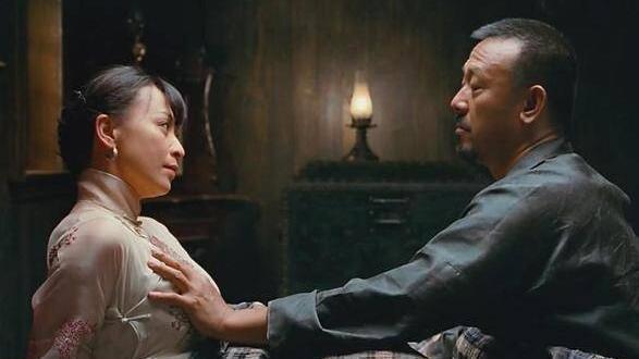 刘嘉玲被问摸胸为何没反应 脱口5字:真敢说