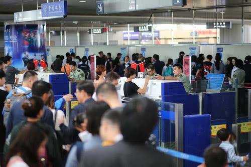 十一赴美中国客明显锐减 贸易战影响旅游业
