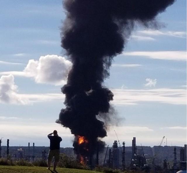 �K烈:加拿大圣�s翰市�W文��油�S�l生大爆炸