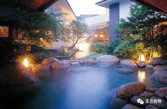 日本这15处必去的温泉目的地
