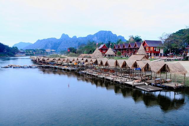 中国最美的邻国 当地人看到中国游客格外热情
