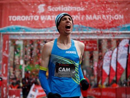 Cam Levins打破加拿大的馬拉松紀錄