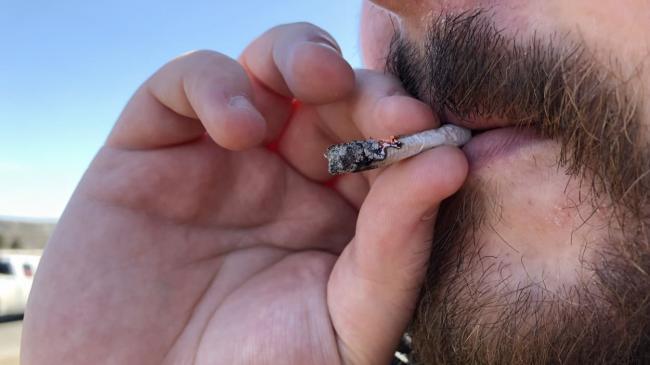 cannabis-marijuana-joint-2-1.jpg